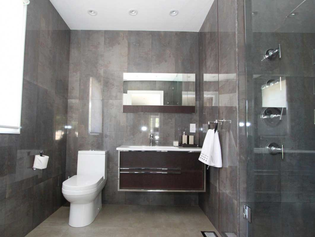 Beau Tips For Improving Your Public Restroom Experience   Green Flush  Technologies